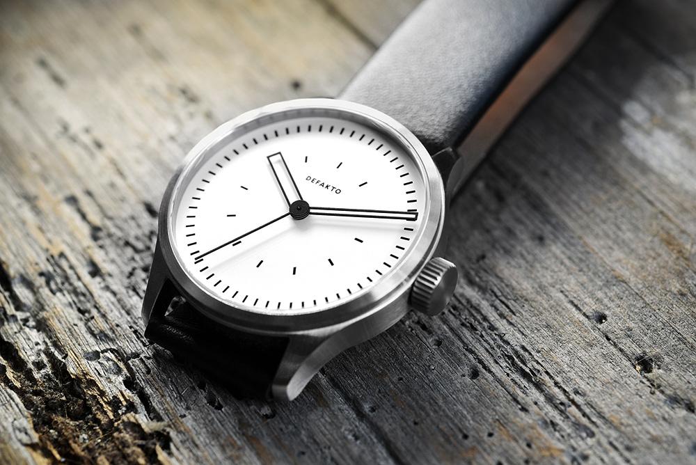 Defakto Kinetik - Pure Steel - White Dial